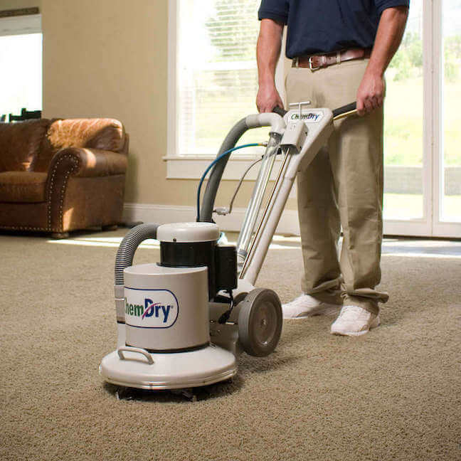 Chem-Dry tech cleaning carpets in Long Beach