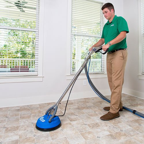 chem-dry tech cleaning tile in Long Beach